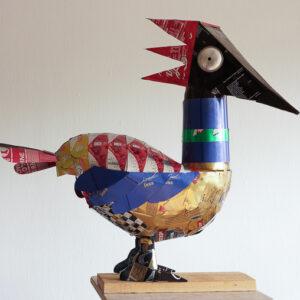 Birdie Can Can II, 2018. Byggd av ca 30 burkar. 60x55x25 cm.